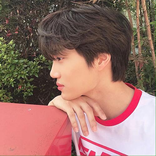 Góc nghiêng thần thánh của Kai (EXO) khiến fan khó rời mắt.