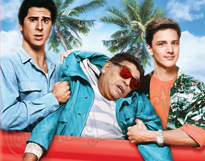 <p> Ai đó cứu Maradona mau lên.</p>