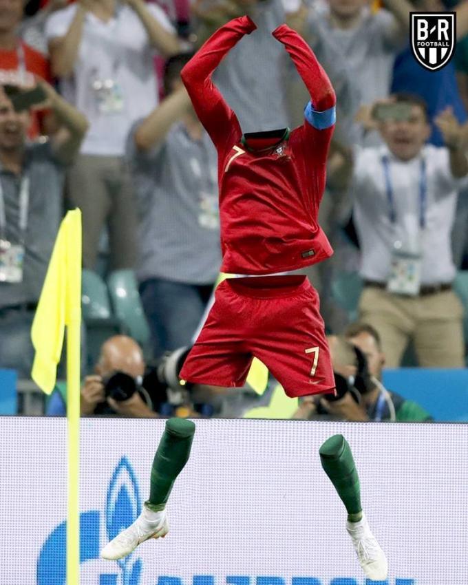<p> Đêm qua Ronaldo lại tàng hình mấy ông ạ.</p>