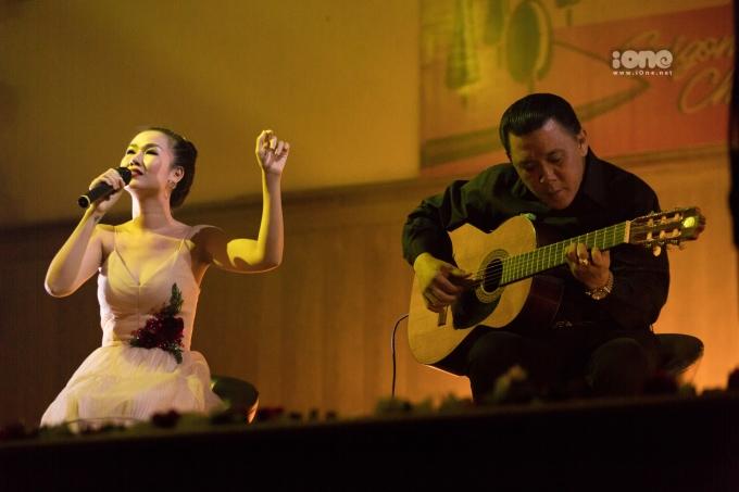 """<p> Cả khán phòng được dịp chìm đắm trong giọng hát của nữ ca sĩ Võ Hạ Trâm với bài hát """"Chưa bao giờ"""".</p>"""