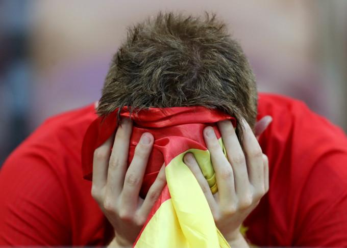 <p> Những CĐV Tây Ban Nha chịu chung nỗi buồn với những ứng cử viên vô địch khác như Bồ Đào Nha, Đức, Argentina.</p>
