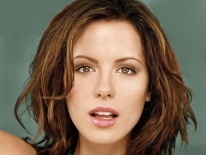 <p> Bên cạnh đó, giáo sư Muluk cho rằng đôi môi của nữ diễn viên người Anh Kate Beckinsale cũng rất đẹp, chỉ xếp thứ hai sau Mila Kunis nếu tính theo công thức vàng mà nhóm nghiên cứu đưa ra.</p>