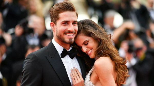 Thủ thành Kevin Trapp và vợ sắp cưới Izabel Goulart