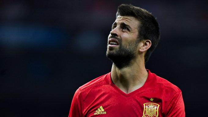 <p> <strong>Gerard Pique (ĐT Tây Ban Nha):</strong></p> <p> Pique cũng úp mở chuyện chia tay ĐT Tây Ban Nha sau thất bại tại World Cup 2018. Và có lẽ anh cũng sẽ không còn góp mặt ở kỳ World Cup nào nữa khi World Cup 2022 trên đất Qatar anh đã bước qua tuổi 35.</p>