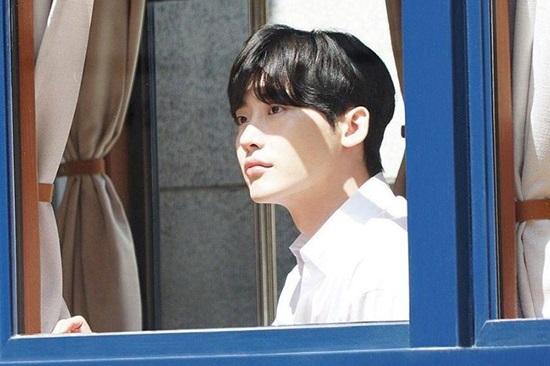 Bạn hiểu bao nhiêu về Lee Jong Suk? - 4