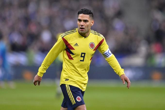 """<p> <strong>Radamel Falcao (ĐT Colombia):</strong></p> <p> """"Mãnh Hổ"""" đã cố gắng hết sức mình để đưa ĐT Colombia tiến xa tại World Cup lần này vì anh biết đây chắc chắn là kỳ World Cup duy nhất và cuối cùng của anh. Tất cả đều đổ xuống sông khi ĐT Colombia bị ĐT Anh đả bại tại vòng 1/8.</p>"""
