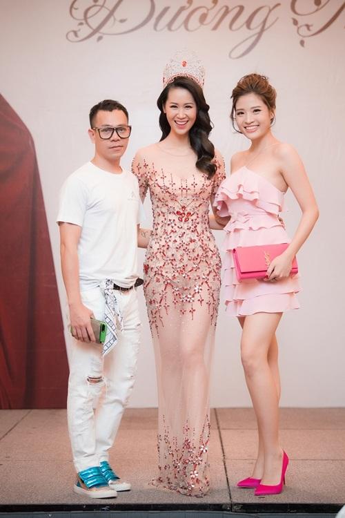 Stylist Hoàng Anh và Hoa hậu Phan Hoàng Thu.