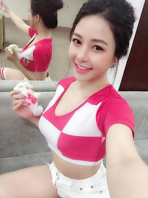 Trâm Anh mê xem thể thao và thần tượng Lương Xuân Trường - tiền vệ của HAGL và đội tuyển Việt Nam.