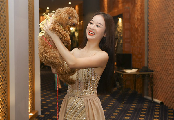 So với các thí sinh khác ở Hoa hậu Hoàn vũ Việt Nam 2017, Hoàng Hải Thu nhận được khá nhiều chú ý. Tuy nhiên sự nổi tiếng của cô đi kèm với hàng loạt scandal nên bị gắn mắc người đẹp thị phi. Mới đây, cô bế cún đến thử sức casting The Face nhưng cũng bị loại sớm.