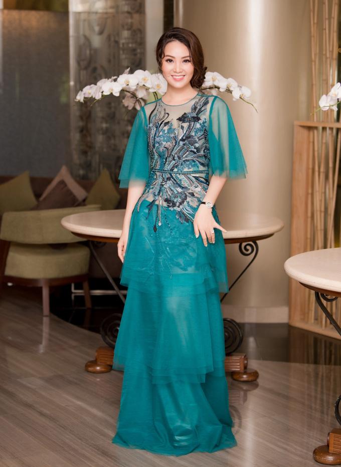 <p> Á hậu Việt Nam 2008 Thụy Vân đảm nhiệm vai trò MC cho buổi họp báo.</p>