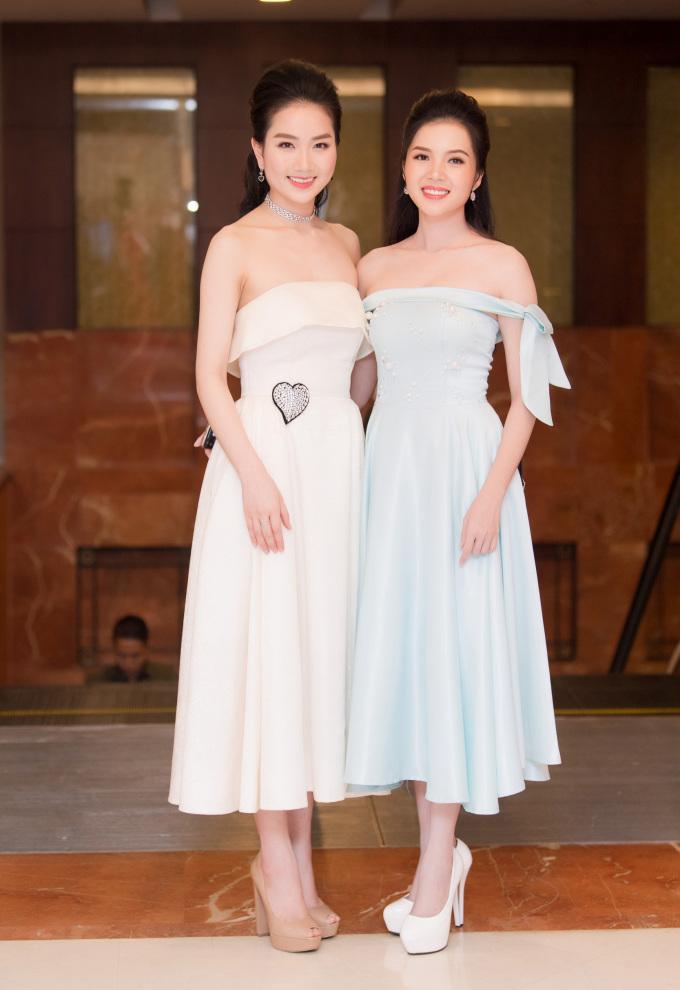 <p> Hai người đẹp bước ra từ Hoa hậu Việt Nam 2016 Phùng Lan Hương (trái) và Huỳnh Thúy Vi.</p>