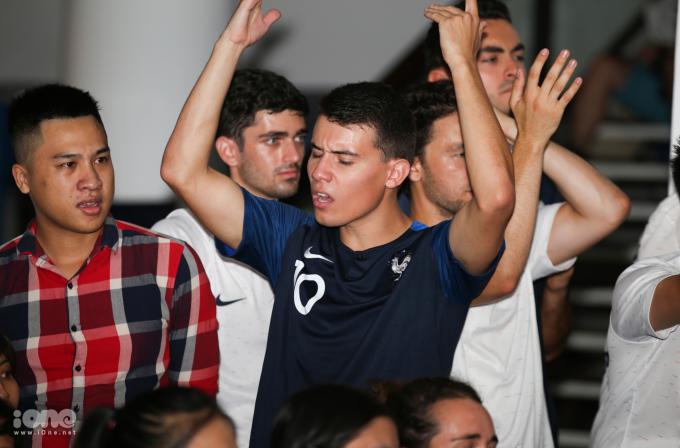 <p> Pha cứu thua xuất thần của thủ môn tuyển Bỉ làm cổ động viên Pháp tiếc nuối</p>