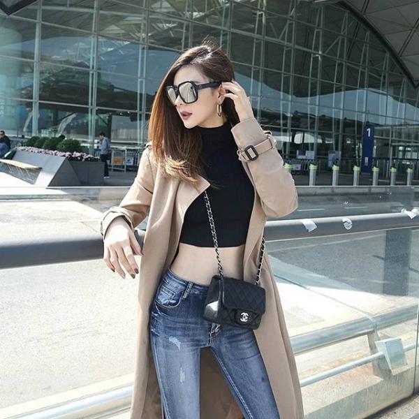 Shrln Cherpaat là một trong những hot girl đình đám nhất xứ Chùa Vàng hiện nay với hơn 700 nghìn người theo dõi trên Instagram. Cô gái này sở hữu gương mặt và phong thái của một ngôi sao.