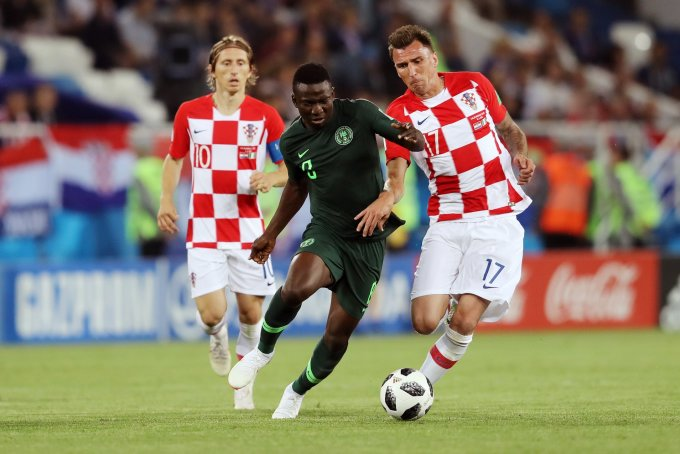 <p> Trong khi đó, Croatia mở màn World Cup 2018 bằng trận thắng nhẹ nhàng 2-0 trước đối thủ đến từ Châu Phi, ĐT Nigeria.</p>