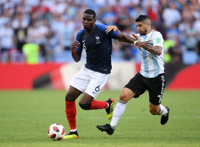 <p> Mọi chỉ trích dần lắng xuống sau màn trình diễn siêu đẳng của tài năng trẻ Kylian Mbappe. Ngôi sao mới 19 tuổi này đã tỏa sáng với cú đúp bàn thắng mang về chiến thắng tưng bừng 4-3 cho Les Bleus trước ĐT Argentina của siêu sao Leo Messi.</p>