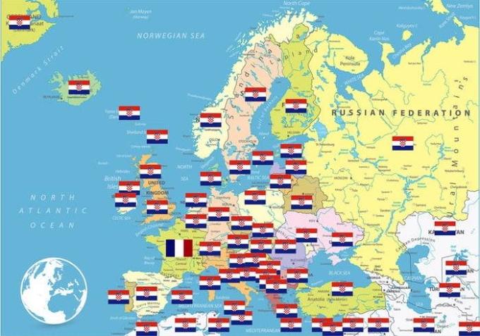 <p> Croatia chỉ có 4 triệu dân nhưng người cổ vũ cho Croatia sẽ phủ rộng toàn thế giới.</p>