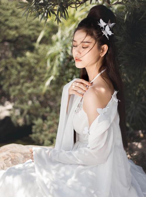 Trương Quỳnh Anh đẹp mơ màng với tạo hình thần tiên tỷ tỷ.