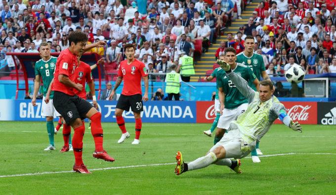 <p> Cú sốc lớn nhất kỳ World Cup năm nay: Đội tuyển Đức bị loại ngay từ vòng bảng. Trong khi đó, đội tuyển Hàn Quốc dù sớm dừng bước nhưng vẫn để lại ấn tượng mạnh khi giành chiến thắng 2-0 trước nhà đương kim vô địch.</p>