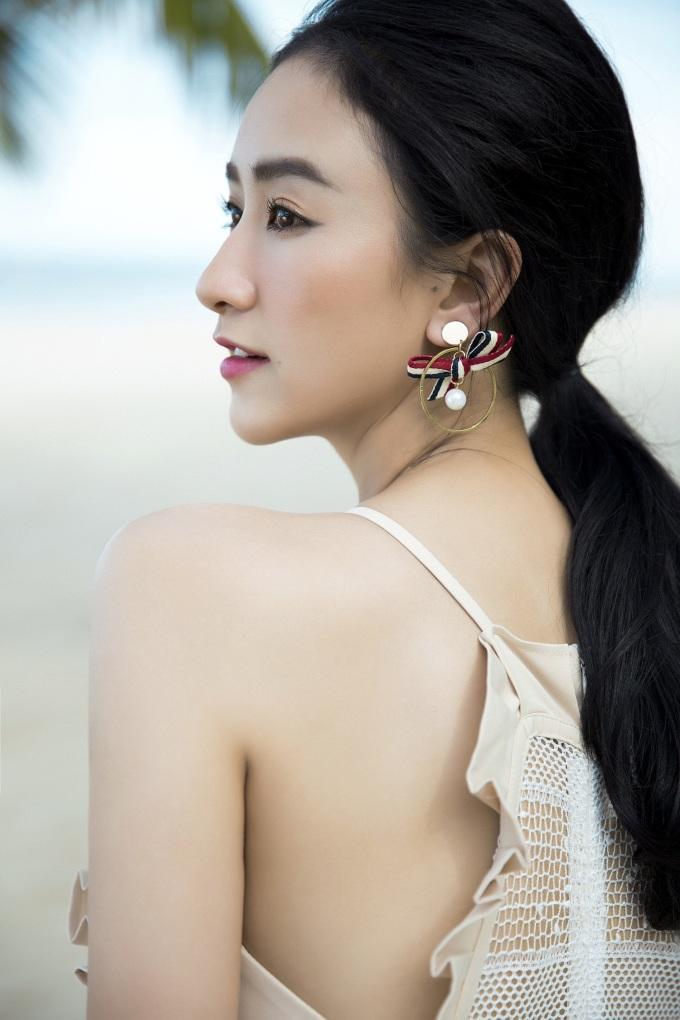 """<p> Hiện Hà Thu tham gia cuộc thi """"Gương mặt thân quen 2018"""" và để lại dấu ấn qua những nhân vật hóa thân.</p>"""