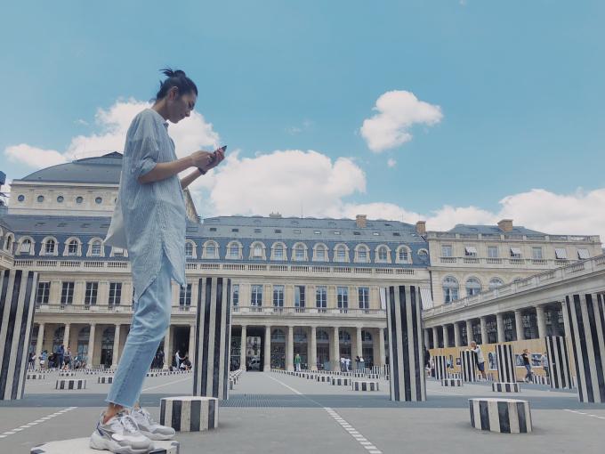 <p> Không chỉ là nàng mẫu đa tài, khẳng định được bản lĩnh, đẳng cấp trên sàn catwalk với mức thu nhập hàng triệu đô mỗi năm, Liu Wen còn được ngưỡng mộ bởi gu thời trang đơn giản nhưng cá tính, năng động.</p>
