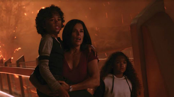 Gia đình nhỏ phải đấu tranhđể được sống sót và vượt qua vụ hỏa hoạn.
