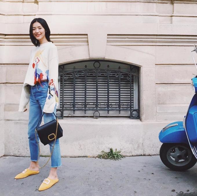 <p> Style của nàng mẫu cao 1,79m mang dáng dấp hiện đại, sang trọng. Thần thái tươi trẻ, tràn đầy năng lượng tạo cho Liu Wen ấn tượng mới mẻ, thu hút.</p>