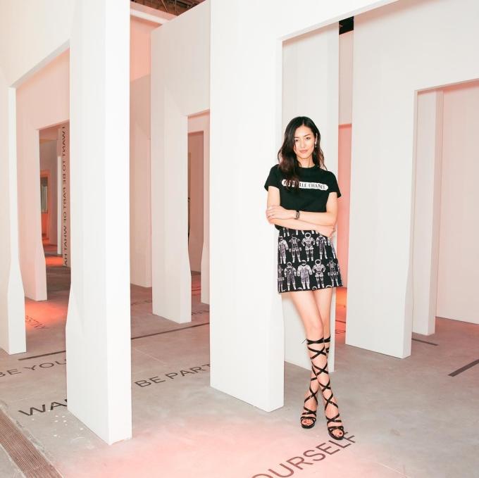 <p> Lợi thế chân dài giúp Liu Wen mặc đẹp mọi set đồ.</p>