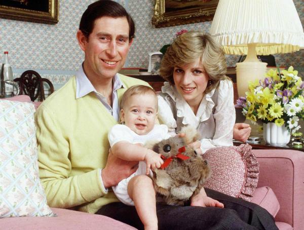 Cũng theo Paul Burrel, thời điểm cuộc ly hôn sắp hoàn tất, Nữ hoàng Elizabeth II đã vui lòng đồng ý cho con dâu giữ lại danh hiệu, tuy nhiên Thái tử Charles là người đã phản đối quyết định này và khiến vợ cũ rời khỏi Hoàng gia với tư cách chỉ là Công nương xứ Wales.