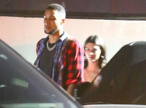 Hồi đầu tháng 7 vừa qua, báo chí Hollywood rộ lên tin đồn Kendall và Ben đang có ý định sống chung với nhau khi chuyển tới một căn biệt thự có giá thuê 50.000 bảng/tháng ở khu nhà giàu Beverley Hills miền đông Los Angeles.