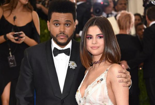 Cũng theo nguồn tin, Abel và Selena đã không hề liên lạc trong một thời gian dài. Abel sẽ duy trì mọi chuyện như vậy. Hiện tại anh ấy đang rất hạnh phúc với Bella và đã xóa bỏ hình ảnh Selena trong tâm trí. Dù Abel vẫn mong những điều tốt đẹp nhất đến với bạn gái cũ, nhưng anh đã không gửi tặng cô bất cứ món quà nào trong ngày sinh nhật năm nay của Selena.