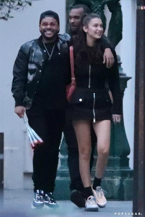 Tuy nhiên năm nay mọi chuyện đã khác. Anh ấy đã quay lại bên Bella, mọi thứ đang diễn ra rất tốt đẹp. Abel sẽ không gây rắc rối cho mối quan hệ của mình với Bella chỉ vì gửi một món quà nào đó cho bạn gái cũ Selena. Hành động đó là không tôn trọng Bella và Abel không muốn phá hỏng sự tin tưởng tuyệt đối của bạn gái dành cho mình, nguồn tin cho biết.