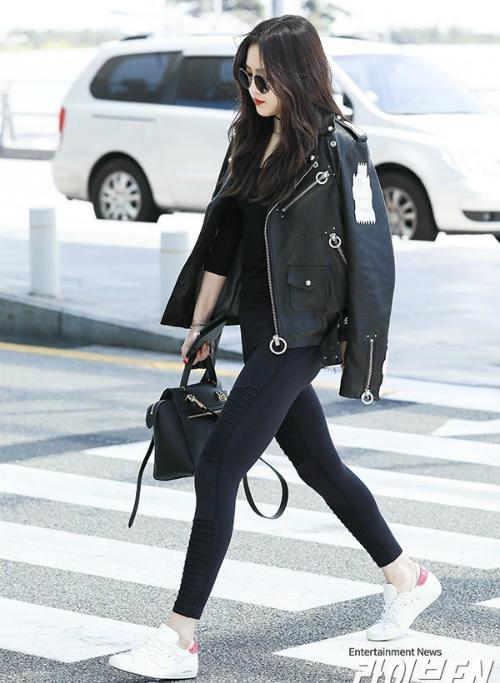 Na Eun thích mặc quần legging ra đường vì chân dễ bị phù nề.