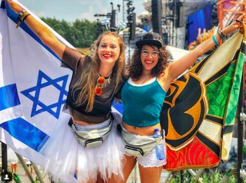 Được tổ chức lần đầu vào năm 2005, từ đó đến nay, Tomorrowland trở thành một trong những liên hoan âm nhạc điện tử nổi tiếng nhất toàn cầu. Không khí lễ hội đầy độc đáo được tạo nên bởi nhiều loại hình khác nhau của nhạc điện tử như trance, house, rave music...