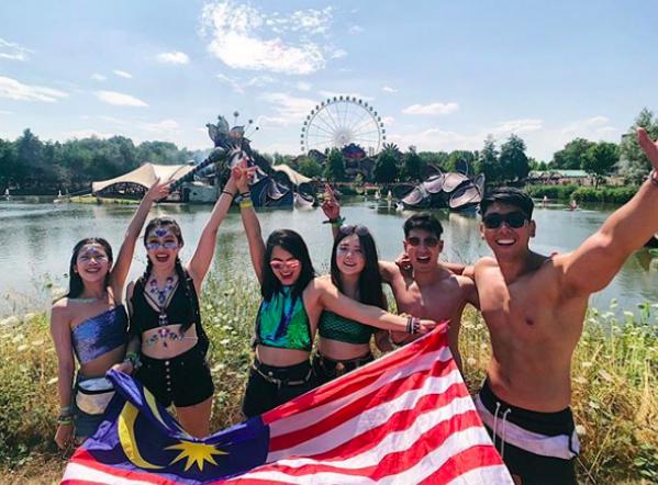 Đây cũng là dịp các bạn trẻ giao lưu, kết bạn và quảng bá hình ảnh đất nước mình tới bạn bè quốc tế.
