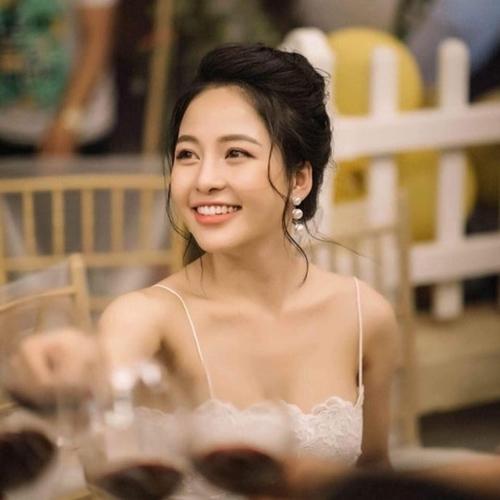 Hot girlr Trâm Anh.