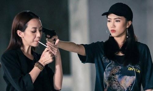 Thu Trang đóng vai phản bội trong phim.