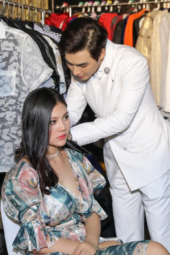 <p> Chúng Huyền Thanh là gương mặt bước ra từ chương trình The Face mùa đầu tiên. Chồng cô, Jay Quân (tên thật là Nguyễn Trọng Quân) sinh năm 1990, là thành viên nhóm nhạc N.O.B.B kiêm người mẫu, diễn viên. Cả hai công khai tình cảm vào tháng 9/2016 và kết hôn vào cuối năm 2017.</p>