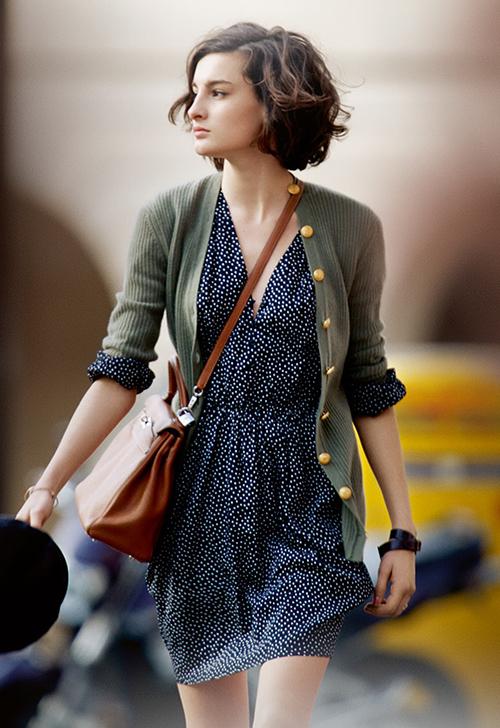 Lối ăn mặc này giúp họ luôn có nét đặc trưng quyến rũ rất riêng và không bao giờ thấy lỗi mốt.