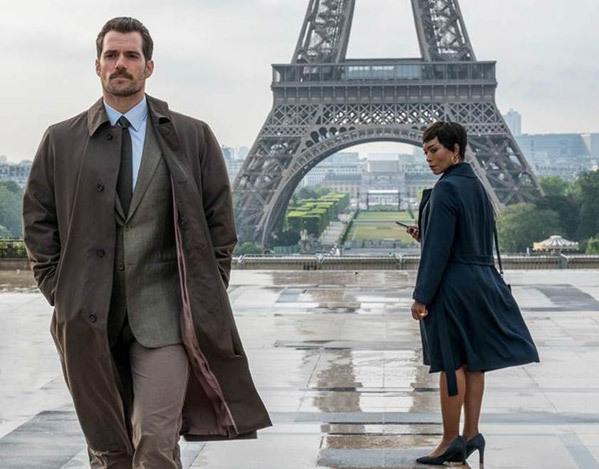 Biểu tượng của nước Pháp xuất hiện trong một cảnh phim.