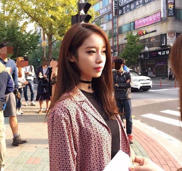 Đây là khoảnh khắc Ji Yeon (T-ara) khiến bao fan Kpop đổ gục vì diện mạo ngoài đời xuất sắc như ảnh tạp chí.