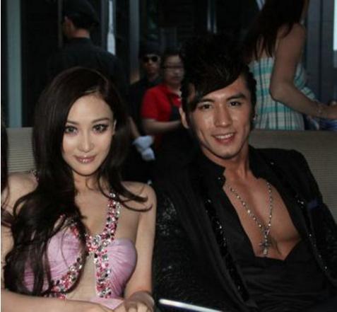 Trương Luân Thạc từng có tin đồn tình cảm với Trương Hinh Dư.