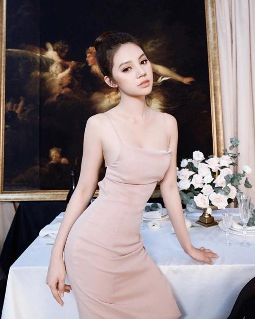 Một số hình ảnh của Jolie Nguyễn trong bài viết.