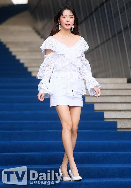 Người giữ ngôi vị quán quân trong bảng xếp hạng chiều cao của các idol Kpop là thành viên Dal Shabet Subin. Số đo 1,75 m của cô không kém các siêu mẫu.
