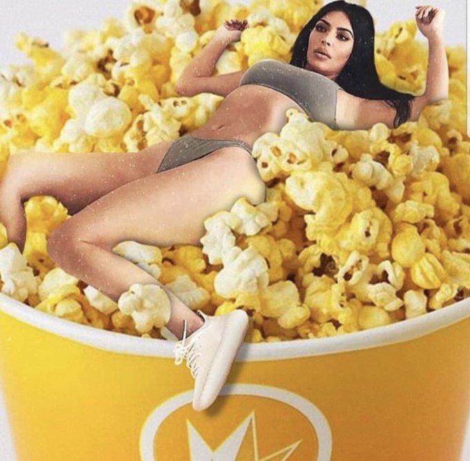 Tạo dáng cứng đờ, Kim Kardashian trở thành đề tài chế ảnh