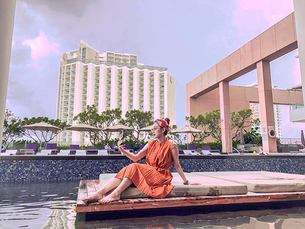 Minh Hằng đang có chuyến nghỉ dưỡng sang chảnh ở Nha Trang.