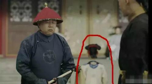 Lỗi biên tập cắt ghép hình ảnh của Diên Hy công lược khiến cảnh phim này trông rất kỳ quái, đầu thân tách rời như phim kinh dị.