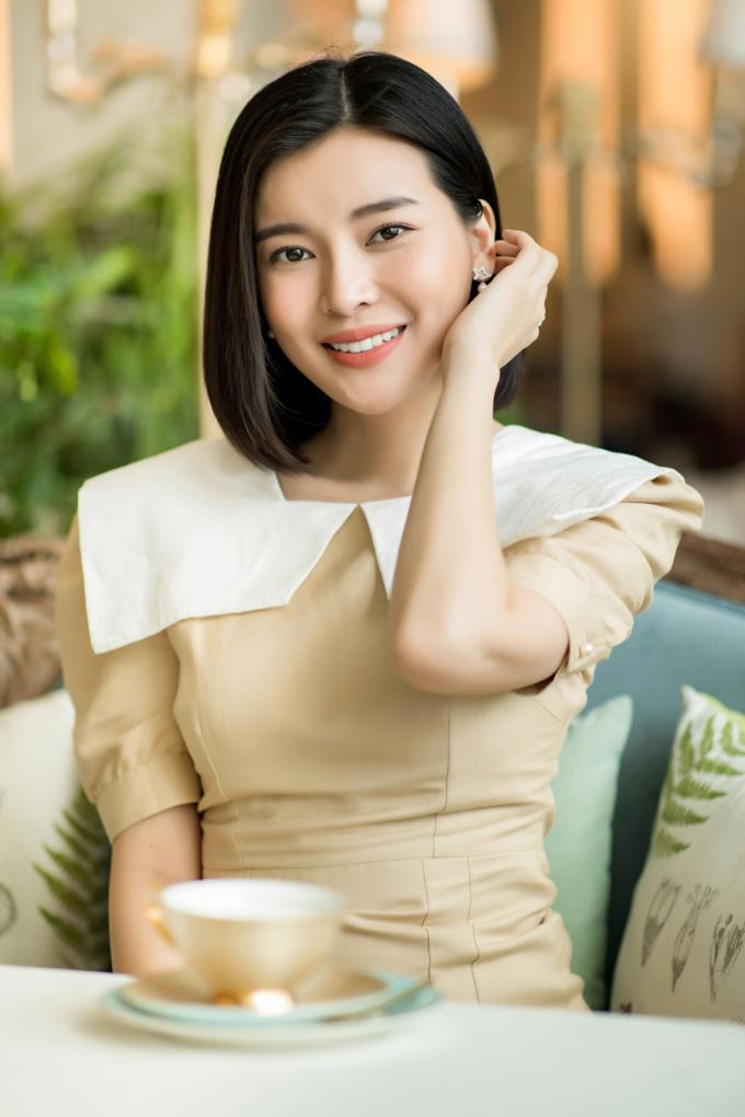"""<p> Từ cô gái non nớt, chưa có chỗ đứng trong showbiz, hiện Cao Thái Hà là gương mặt đắt show phim ảnh. Nữ diễn viên """"Hậu duệ Mặt trời"""" cho biết luôn xem Ngọc Diễm như một người chị và mong muốn học hỏi về bí quyết kinh doanh.</p>"""