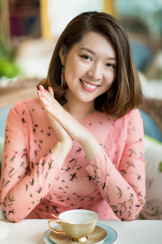 """<p> Người đẹp Ngụy Thanh Lan từng là """"Thí sinh được khán giả bình chọn nhiều nhất"""" tại Hoa hậu Du lịch 2008. Cô sau đó đoạt giải Hoa hậu thân thiện - Hoa hậu Thế giới người Việt 2010. Cô đang là chủ của một công ty trong lĩnh vực khai khoáng, có tổ ấm hạnh phúc tại Tây Ninh.</p>"""
