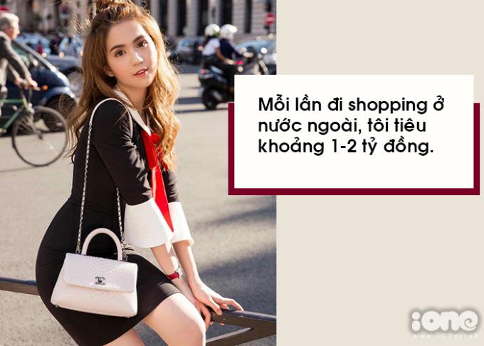 <p> Mỗi lần ra nước ngoài, Ngọc Trinh không tiếc tiền rước hàng chục món đồ mới nhất từ các thương hiệu. Mỗi chuyến đi cô có thể tiêu 50.000 - 60.000 USD một lúc.</p>