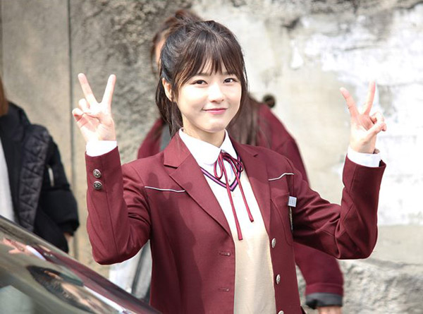 Tạo hình gây sốc của Oh Ji Eun với vai nữ sinh khi đã 36 tuổi.